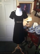 TAHARI ASL. BLACK DRESS-SIZE2-LOVELY ALINE STYLE-BRASS SIGNATURE BUTTONS & CHAIN