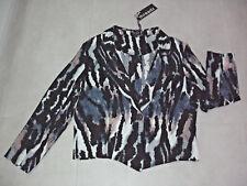 Threadz: Size: S. (10-12). Modern Multi Slim Animal Print with 3/4 Sleeve Jacket