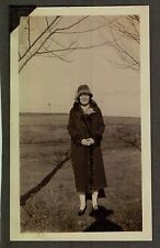 OLD HAT GOLF FASHION FLAPPER GIRL PRACTICING CLUB SWING MAINE MOXIE COVE PHOTO