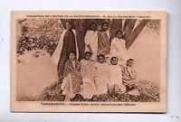 Carte postale MADAGASCAR. jeunes filles hova recueillies par l'Oeuvre.