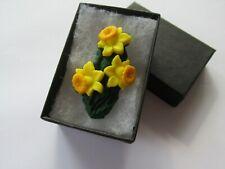 BN Double Bunch of Daffodil Flower Brooch UK