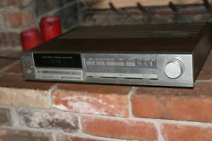 Vintage Hitachi AM/FM Tuner power amplifier Model HTA 3000 slim design