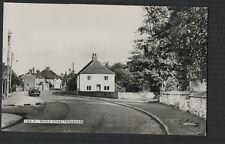 Tongham, Poyle Road  RP  postcard  Zd.310