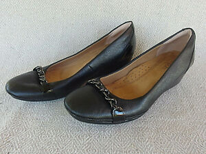 Softspots Black Leather Wedge Heel Arch Support Cushioned Shoes Women's Size 8 M