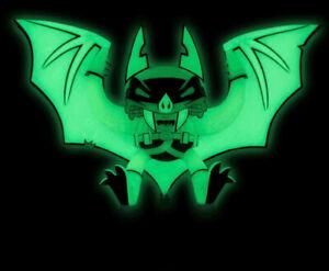 DC Artists Alley Batman Statue Glow-In-The-Dark) Vinyl Halloween BAT Decoration