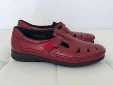 NEW SAS Roamer Size 10.5 Red Leather Sandals Shoes Flats Slip On Loafers Women's
