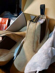 Baxter mens sand suede boots