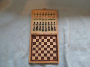 Ajedrez y Damas Magnetic Travel Chess Set
