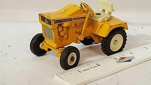 Ertl Allis Chalmers B-110 1/16 diecast lawn&garden tractor replica collectible