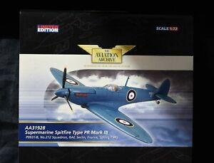 CORGI AVIATION AA31928 Spitfire PR 1B P9931/B 212 SQUADRON 1940  New 1/72