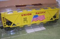 Menards O Gauge Union Pacific Covered Hopper With American Flag Car
