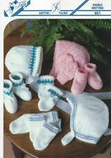 TE651 BABIES DK HAT, MITTS & SOCK or BOOTEE SETS KNITTING PATTERN 6 - 12 months