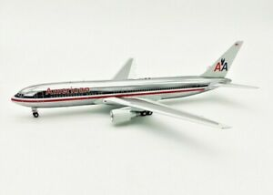 1:200 INF200 American Airlines Boeing 767-300 N363AA with stand