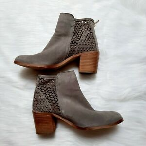 Clarks Womens Suede Ankle Boots UK 5 Javelot Poppy Grey Lattice Soft Casual