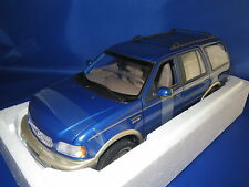 UT Models  22713  Ford Expedition Eddie Bauer Version  (blau-metallic) 1:18  OVP