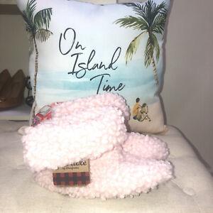 Dluxe By Dearfoams NWT! Pink Fluffy Slipper Booties Size 7-8