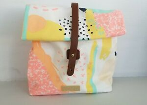 BENEFIT Cosmetics Fabric Cosmetic / Lunch Sandwich sac Bag New