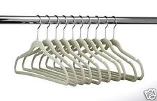 216 Huggable Hangers Slim Velvet Beige Chrome