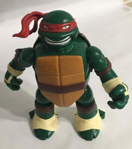 """TMNT Teenage Mutant Ninja Turtles 10"""" Raphael Mini Figure Playset 2016 Playmates"""