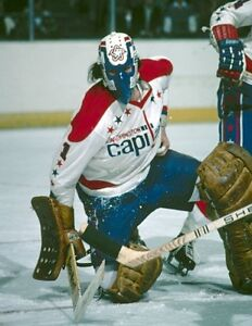 NHL 1970's Goalie Row Low Washington Capitals Color Game Action 8 X 10 Photo