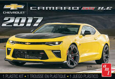 AMT 1/25 2017 Chevrolet Camaro SS 1LE SCALE PLASTIC MODEL KIT 1074