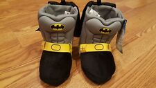 NWT BATMAN DC COMICS Boys Toddler Plush Boot Costume Slippers With Cape Sz 7-8