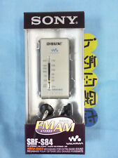 Radio Sony SRF-S84 de bolsillo clásica FM/AM analógica, estéreo con auriculares