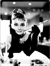 Nostalgic Art Blechschild Audrey Hepburn Breakfast Tiffany Zigarette 30cm x 40cm