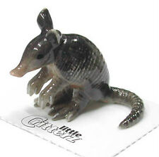 little Critterz Miniature- Armadillo - LC142 (Buy 5 get 6th free!)