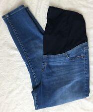 Ingrid & Isabel Maternity Skinny Crop Jeans Size 12 medium wash capris