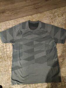 Mens Lululemon Shirt XL