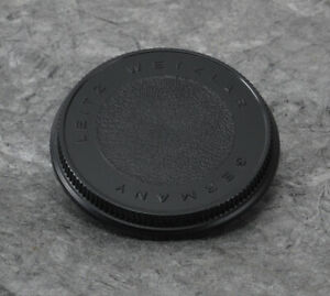 Geniune Authentic OEM Early Leica Leicaflex R-Mount Body Lens Cap #14103Q  MINT-