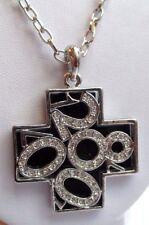 pendentif chaîne collier bijou couleur argent croix chiffres noir strass 712