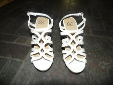Delicious Womans Dress Wedge Shoes White 5-1/2 New w/ box Cute Swirl Pattern