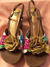 """SO Flower Cloth Strappy 4"""" Wedge Sandals Womens SZ 10 Med New"""