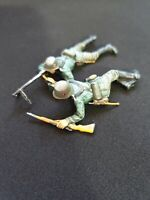2 Airfix WWII German SS  MG Team  1.32nd Scale, Pro Painted.(QUALIFIED)!!!