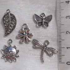 Lot 10 breloques mix Fleur Feuille Libellule Papillon Soleil métal argenté *B487