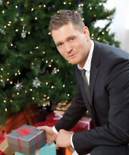 Michael Buble UNSIGNED photo - D1197 - With Chritmas presents!!!