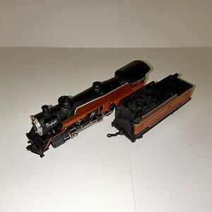 HO Model Train / Locomotive Southern Pacific Steam Locomotive Black Red Orange