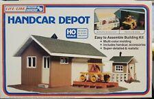 Life Like HO Handcar Depot