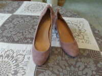New J.CREW Suede Leather Dusty Rose Stacked Mid-Heel Pumps Size 8