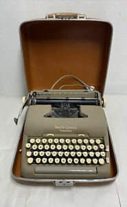 Vintage Smith-Corona Beige 5TE Electric Typewriter w/ Brown Case For Parts Only