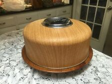 Vintage Wood Grain Cake Taker