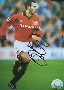 RYAN GIGGS - MANCHESTER UNITED LEGEND - EXCELLENT SIGNED COLOUR BOOK PAGE