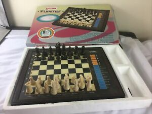 SYSTEMA JUPITER MODEL 5T-932 ELECTRONIC CHESS COMPUTER GAME