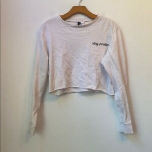 DIVIDED H&M STAY POSITIVE WHITE CROP SWEATER