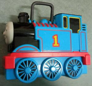 Thomas die kleine Lokomotive Sammelkoffer + 18 Fahrzeuge / Set / Lok / Eisenbahn