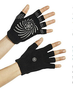 New In Package Gaiam  Super Grippy Yoga Gloves Black & Silver One Size All
