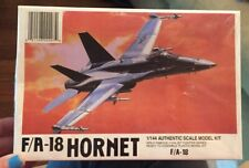 USA McDonnell F/A-18 Hornet, 1/144 LEE kit 02207, Airplane Model Factory Sealed