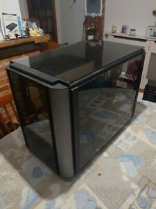Thermaltake Level 20 XT Cube Black and silver MATX, ATX, EATX